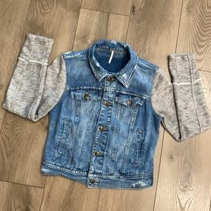 Free People blue jean jacket with knit arms sz Xs